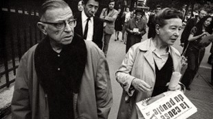 Jean Paul Sartre & Simone de Beauvoir in Paris 1968: La cause du peuple (foto wimberkelaar.wordpress.com)
