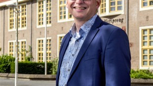Oud VVD wethouder stadsvernieuwing Robbert Waltmann, nu directeur Helder Vastgoed BV en Woningstichting Den Helder (foto Raeflex)