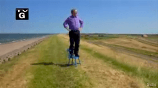 Rick Steves overlooking the Netherlands (foto YouTube)