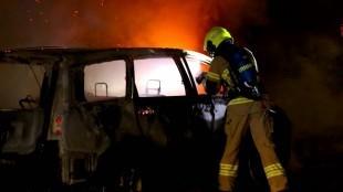 Politie vermoedt brandstichting bij autobrand Den Helder (foto NHD)