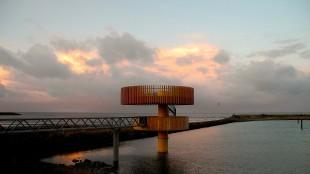 Waddenbelevingspunt Den Oever, ontwerp Knevel Architecten (foto BNA Beste gebouw van het jaar)