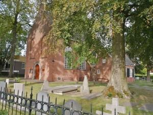 Van Gogh Kerkje in Zundert en kerkhof waar zijn broertje ligt