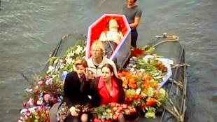 Begrafenis van Peter Giele in Amsterdam (foto CurveTube)