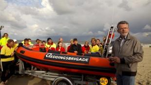 Overdracht boot en examens reddingbrigade met burgemeester Koen Schuiling (foto Reddingsbrigade Den Helder/Twitter)