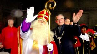 Sinterklaas Marcel Karhof & burgemeester Koen Schuiling (foto Ontdek Den Helder)