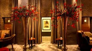 Een Glossy van Rob Scholte in de lounge van Librije's Hotel te Zwolle (foto Librije)