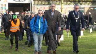 Feestelijke opening kinderboerderij 's Heerenloo, burgemeester voorop (foto Ontdek Den Helder)