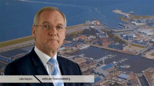 Lolke Kuipers, de voormalige Helderse wethouder Stadontwikkeling, verantwoordelijk voor de tenderverkoop van het RSMuseum (foto YouTube)