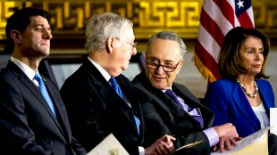 McConnell, Pelosi, Schumer Stealing Trillions! Q Silent! (foto Before It's News)