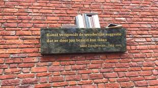 Pieter Bijwaard - Monument voor Joost Zwagerman in Alkmaar 'Kunst verspreidt de wonderlijke suggestie dat ze door jou bezield kan raken' (Esther Hendriks:Twitter)