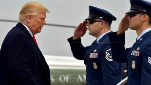 Trump & the military (foto Before It's News)