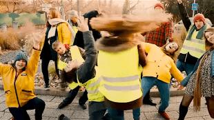 Marguerite Les Circonstances   Gilets jaunes (foto YouTube)