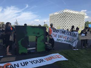 Studententenprotest tegen het spreken van Matt Ridley (No Free Speech)
