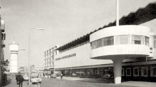 De voormalige V&D eerder (foto L.O.S Den Helder)