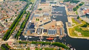 Luchtfoto maritiem kwartier Willemsoord (foto Simon George)