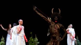 Una escena de 'Mount Olympus' de Jan Fabre (foto Teatre Lliure)
