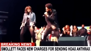 Jussie swinging with Michelle Obama (foto StrangerThan Fiction)