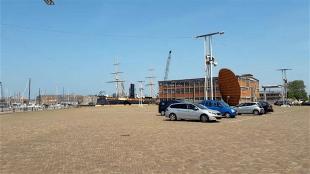 Parkeren op Willemsoord (foto L.O.S. Den Helder)