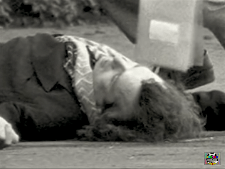 De bij Juliana's, barretje Hilton, vermoorde Klaas Bruinsma (foto YouTube)