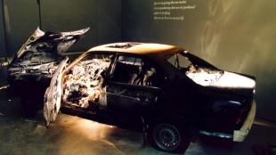 Het wrak van Rob Scholtes BMW in Arti et Amicitiae (foto Herman Pieterse)