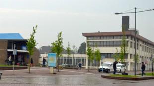Enkele jaren geleden was nog sprake van sloop van zowel het postkantoor als het stationsgebouw, om er vervolgens het nieuwe stadhuis annex station Den Helder te willen bouwen (foto Stationsinfo)