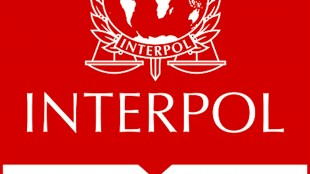 interpol Red Notice (foto Tom Heneghan)