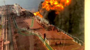 A picture taken on board the Front Altair after it was struck (foto Mirror)