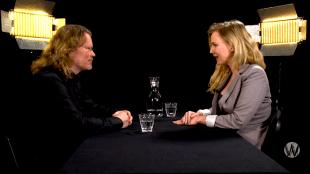 Arjan Kamphuis & Ancilla Tilia bij Café Weltschmerz (foto YouTube)