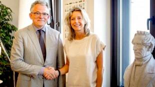 Nieuwe burgemeester van Groningen Koen Schuiling, persoonlijk verantwoordelijk voor de ontruiming van het Rob Scholte Museum & minister van Binnenlandse Zaken Kasja Ollongren (foto Binnenlandse Zaken)