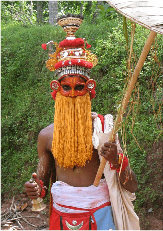 Onappottan, a symbolic representation of King Bali. He visits houses during the onam and gives blessings (foto Wikipedia)