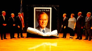 U.S. Postal Service unveiled the new Forever stamp honoring George Herbert Walker Bush, America's 41st. president (foto Mohave County Rattler)