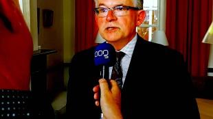 Koen Schuiling wederom het hoogste woord, nu in Groningen (foto OOG Radio & TV/Stagramer)