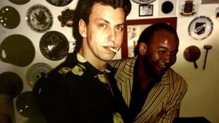 Rob Scholte met zijn manager Reiner Opoku in Casa Amaro Pargo, Punta del Hidalgo, Tenerife in de zomer van 1994 (foto Micky Hoogendijk)