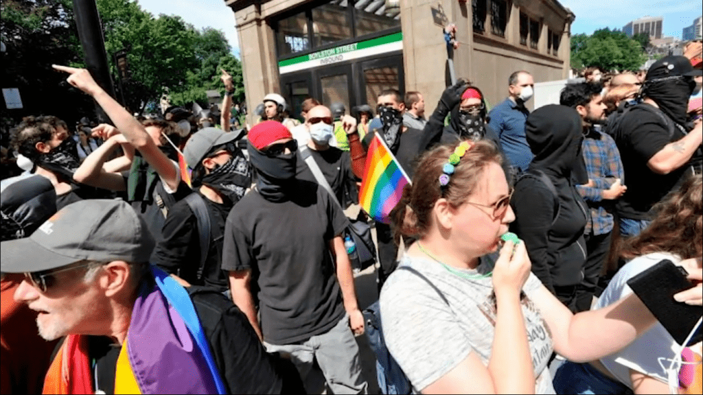 Straight Pride protesters (foto Michael Knowles)